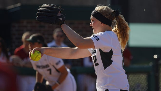 Pitcher Kristina Zalewski kept Illinois in check for six innings, but the Illini scored three runs thanks to two MSU errors to eliminate the Spartans from the Big Ten Tournament on Thursday, 3-2.