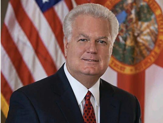 Secretary Ken Detzner jpg