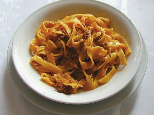 Pasta with ragu.