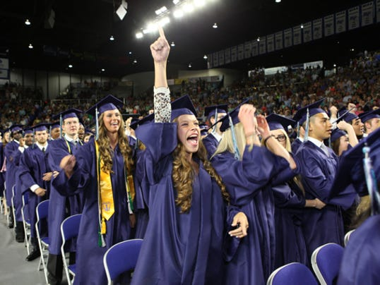 635671408176005279-426-Siegel-graduation