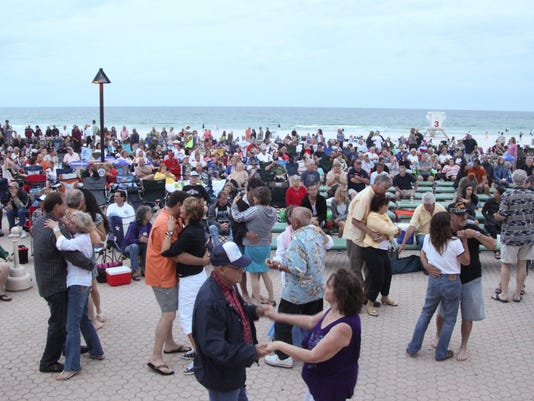 bands on beach crowd