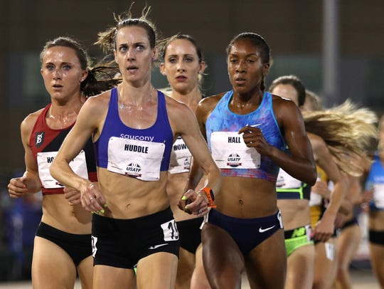 Molly Huddle leads the field in the women's 5,000 meter