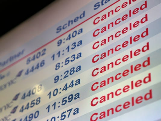 AP WINTER WEATHER NEW JERSEY AIRLINES CANCELED FLIGHTS A WEA F USA NJ