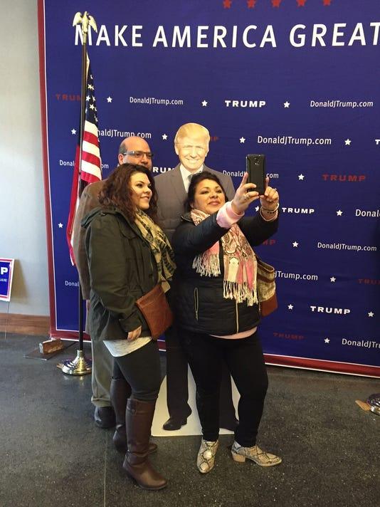 635909858837980060-trump-selfie.JPG
