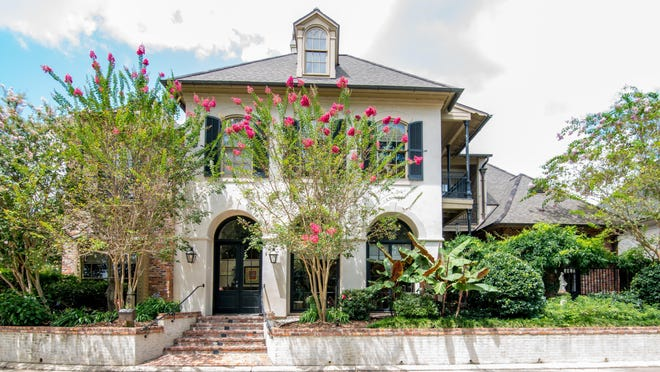 This home at 201 Hidden Grove in Lafayette has 5 BR, 4BA and 4,110 sq ft. It is listed for $1,150,000.