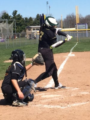 Howell's Jordan Humitz (7) picked up two hits in all three of the Highlanders' victories on Saturday.