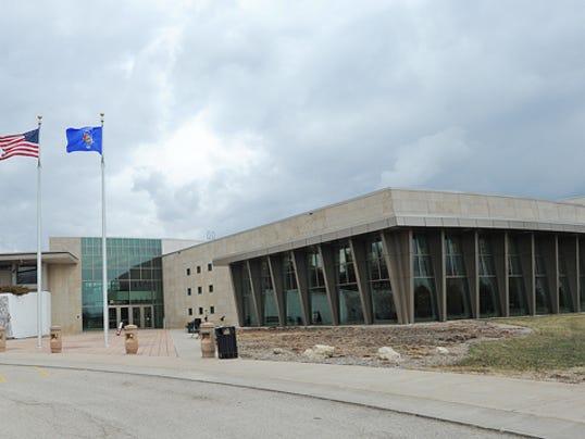 UW-Fond du Lac building entrance 2014