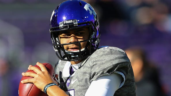 TCU Horned Frogs quarterback Kenny Hill (7) throws