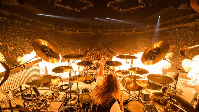 A photo from the Trans-Siberian Orchestra's 2014 Winter Tour.