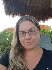 Laurie Colon