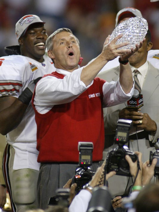 50512 FIESTA MIAMI OHIO ST Jim Tressel & Trophy