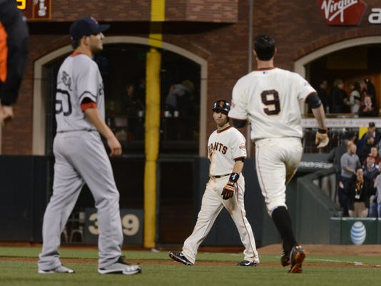 082013-scutaro-giants-red-sox