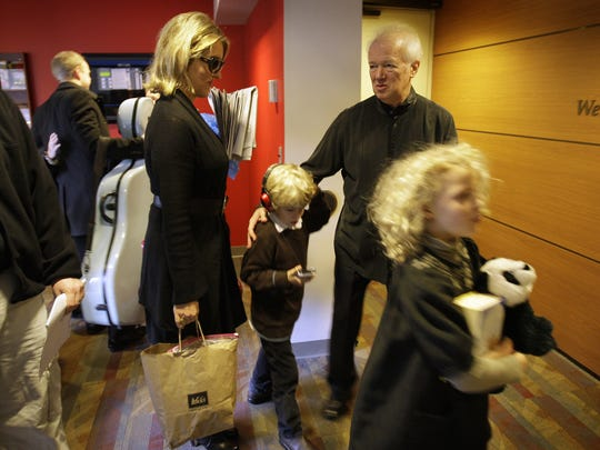 Music Director Edo de Waart greets his wife, Rebecca Dopp de Waart, son Sebastiaan and daughter Olivia in 2009 as they arrive to hear him conduct the Milwaukee Symphony.