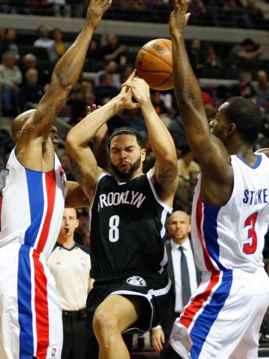 Pistons-Gamer-12-13-13