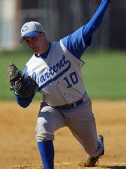 Willie Negron pitches for Carteret in 2004