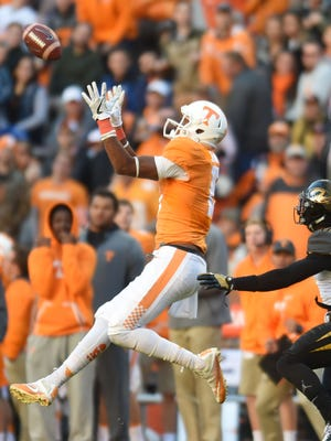 Tennessee wide receiver Jauan Jennings catches a pass during the first half against Missouri on Saturday at Neyland Stadium.