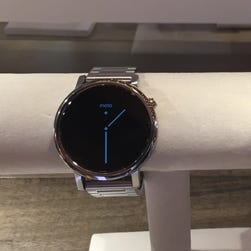Motorola's new Moto 360 will be available in two sizes, 46mm (left) and 42mm (right)
