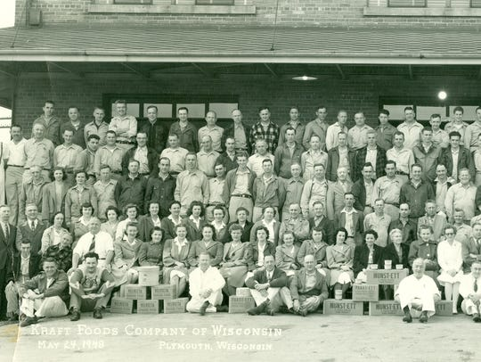 Kraft Food employees, Cheeseville, May, 1948.