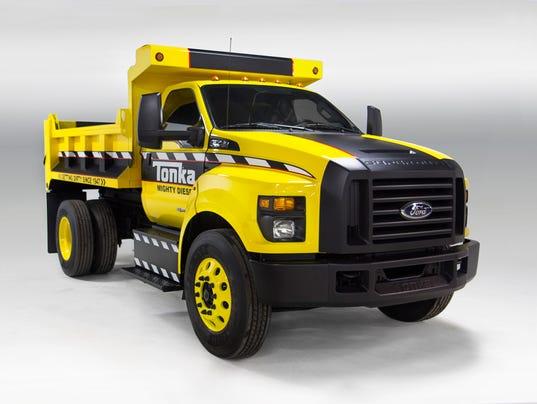 ford tonka dump truck a huge toy - Mighty Ford F 750 Tonka