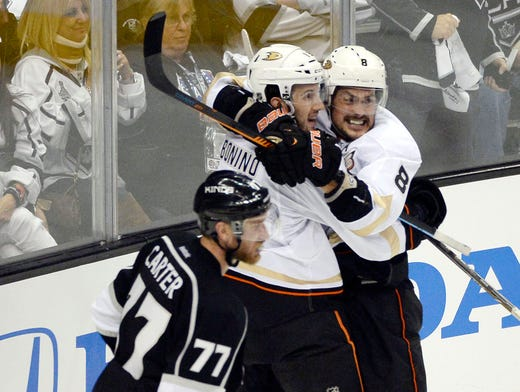 Ducks to retire Teemu Selanne's number