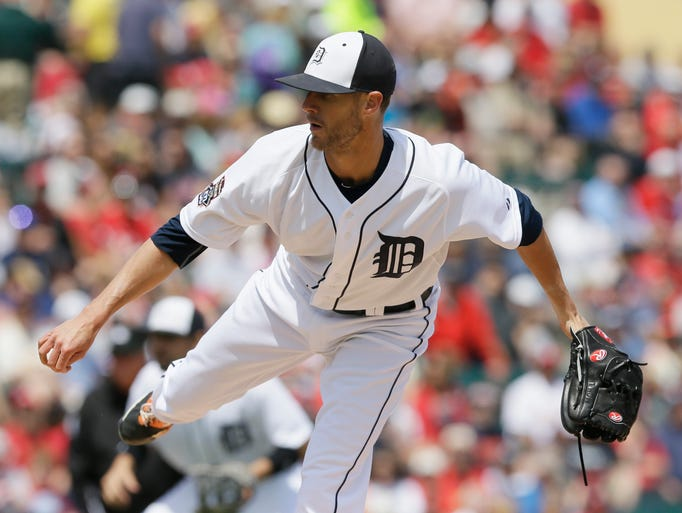 Detroit Tigers starting pitcher Shane Greene throws