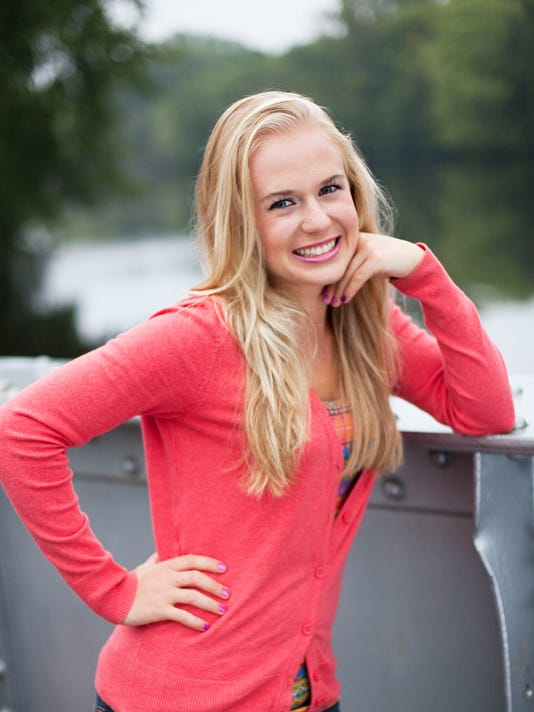 WDH 1207 Scholar Female Olivia Nillissen.jpg