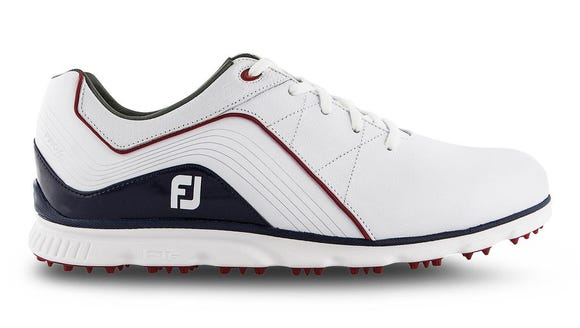 Best Gifts for Golfers 2018: FootJoy Pro/SL Shoes (Photo: FootJoy)