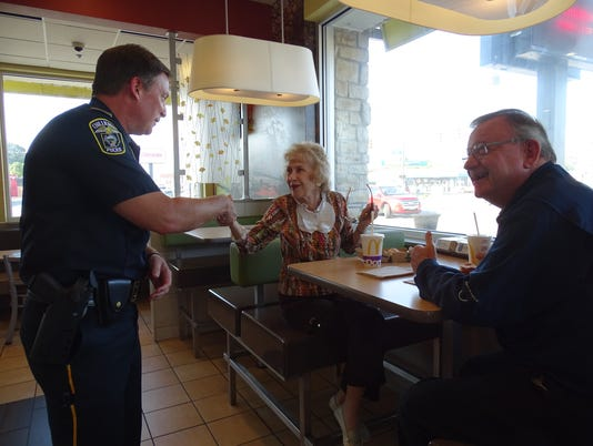 636087920724831139-Coffee-with-a-Cop.JPG