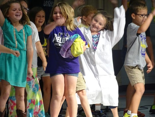 Unioto Elementary students do the Whip and Nae Nae