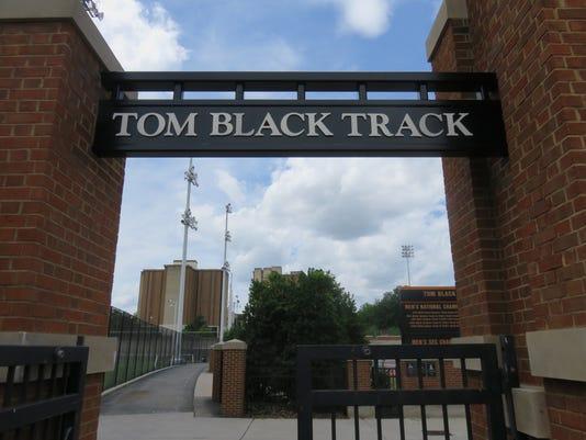 UT-Tom-Black-track.jpg
