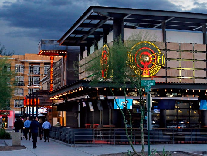 Scottsdale will close streets and allow bars to expand