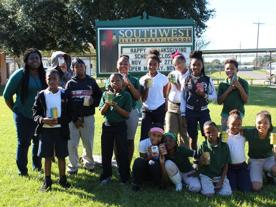 Students from the Southwest Elementary 4-H Club helped