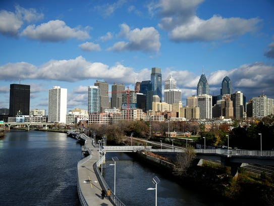 A cloudy day over the Schuylkill River and Philadelphia