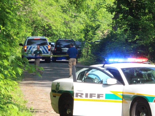Montgomery County sheriff's deputies put up caution