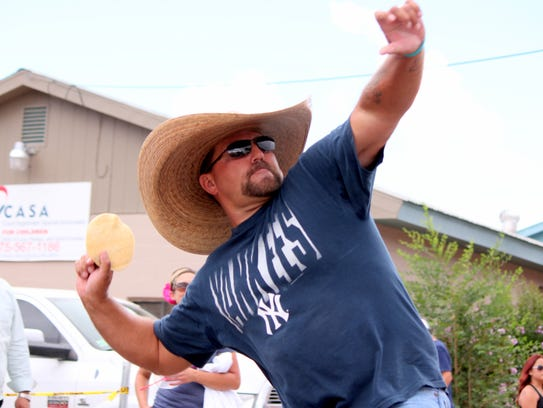 John Lowther of Tucson, AZ hurls his tortilla during