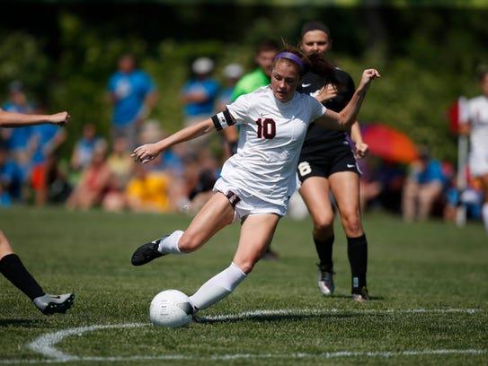 Union senior Courtney Powell (10) shoots the ball against