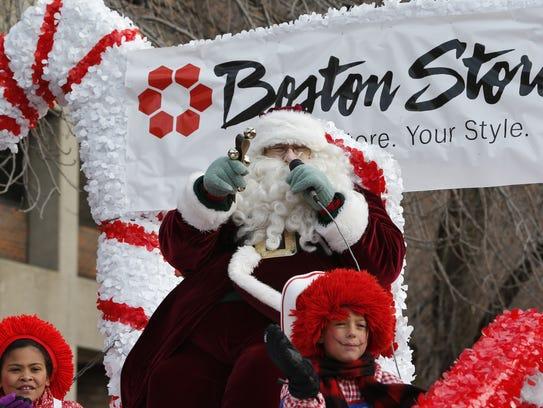 Santa Claus greets the faithful during the 2016 Milwaukee
