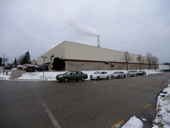 Residents  near the Mid-America  Steel Drum  Plant, 3950. S. Pennsylavania Ave. are concerned  about strong odors.