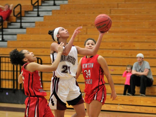 Dee Graves averaged over 9 points and 7 rebounds per game for the Warlassies as a senior.