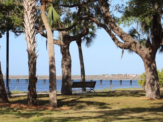 Bayshore Live Oak Park hugs Charlotte Harbor, and would