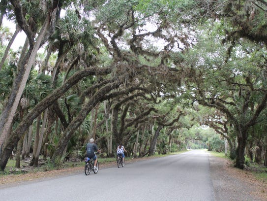 Myakka River State Park has seven miles of paved roadway