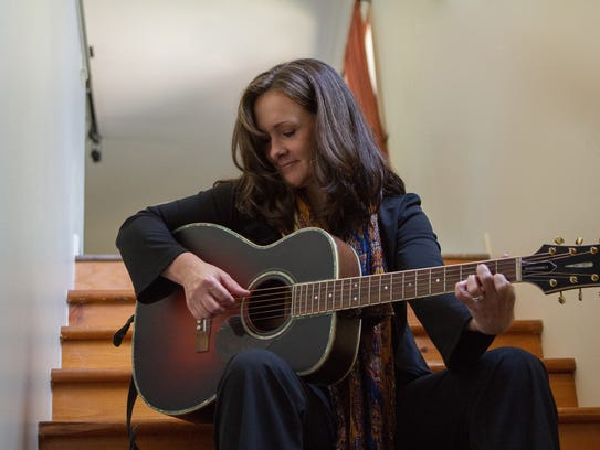 Liz Barnez Band will play at this week's Thursday Night