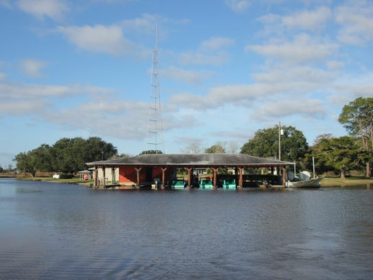 4 louisiana hunting lodges that feel just like home for Fishing camps for sale in louisiana