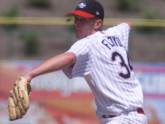 Gavin Floyd pitching for the BlueClaws in 2002.