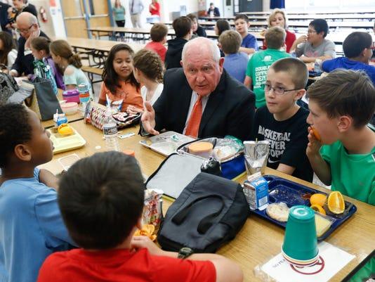 AP HEALTHIER SCHOOL MEALS A USA VA