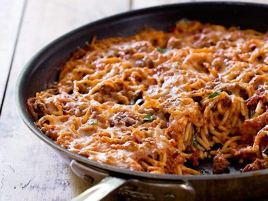 636228411896827340-Spaghetti-in-a-skillet-1-.jpg