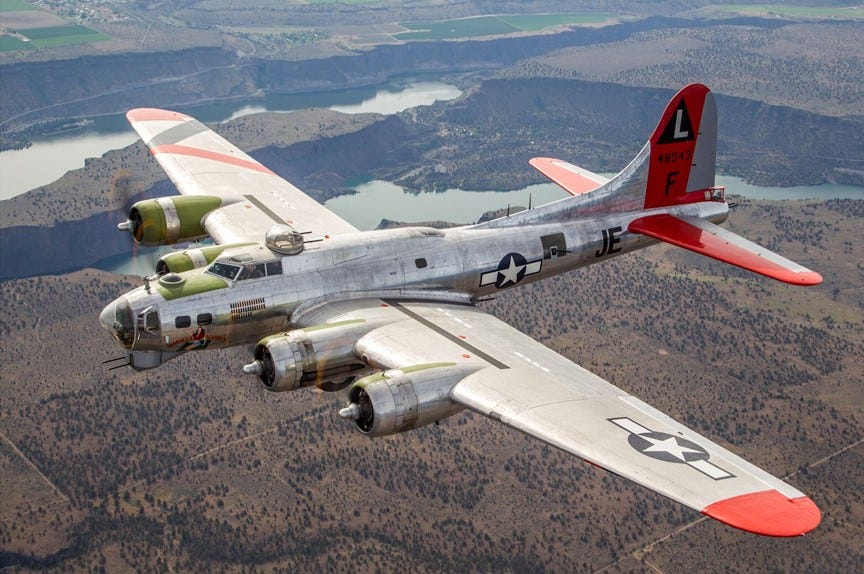 WWII in color: Rare photos from 1942 show Flying Fortress bombers B17 flying fortress pictures