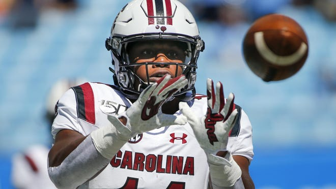 South Carolina running back Deshaun Fenwick warms up prior to a game against North Carolina in Charlotte, N.C., on Aug. 31, 2019.