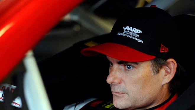 Jeff Gordon will start third Saturday night at Kentucky Speedway.
