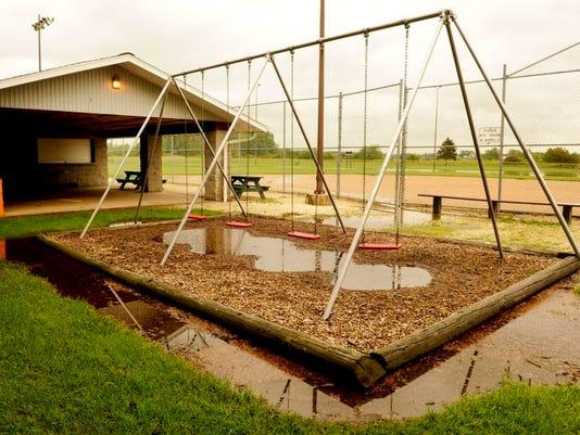 MAN n Bubolz Park Reeds 1.jpg
